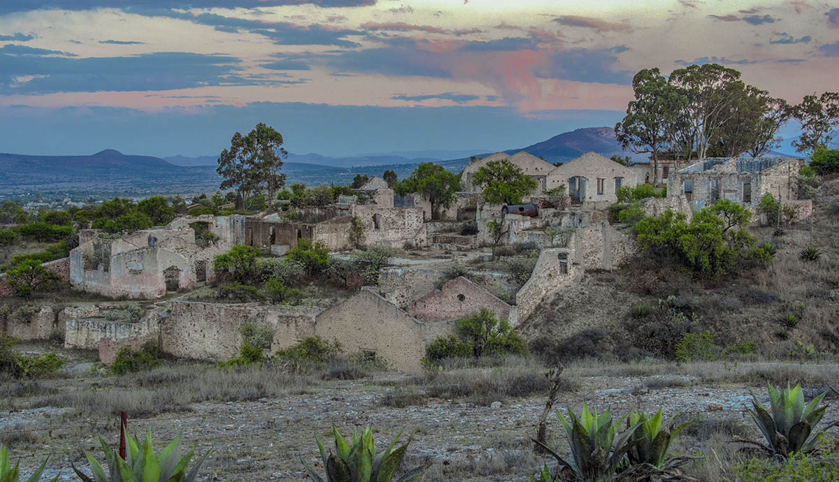 Mineral de Pozos ha sido escenario de diversas apariciones en sus ruinas de piedra.